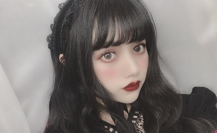 村田実果子の服が可愛すぎる!年齢は?どこのカラコン?プロフまとめ!!
